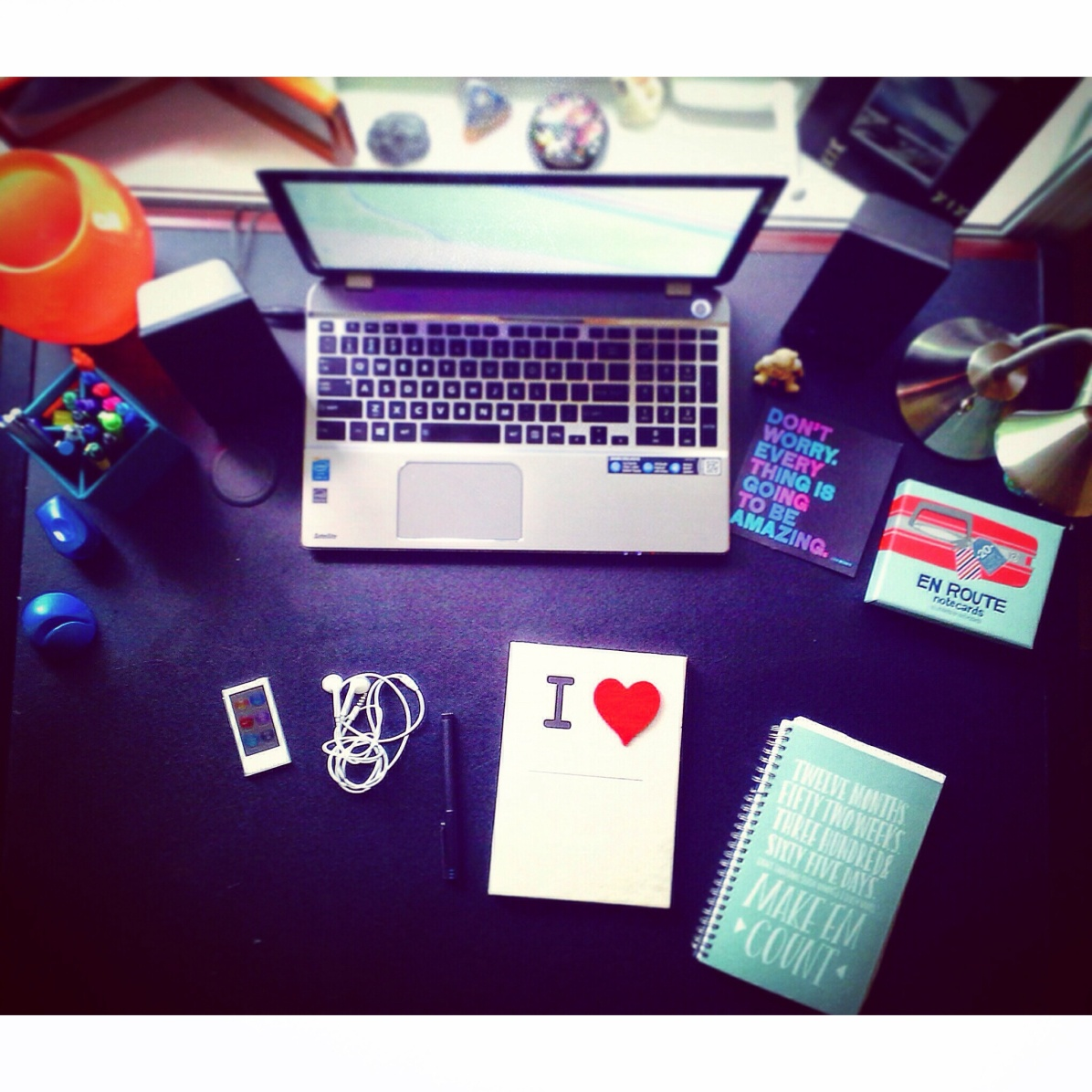 What's on the desk of Time Cupsoul?
