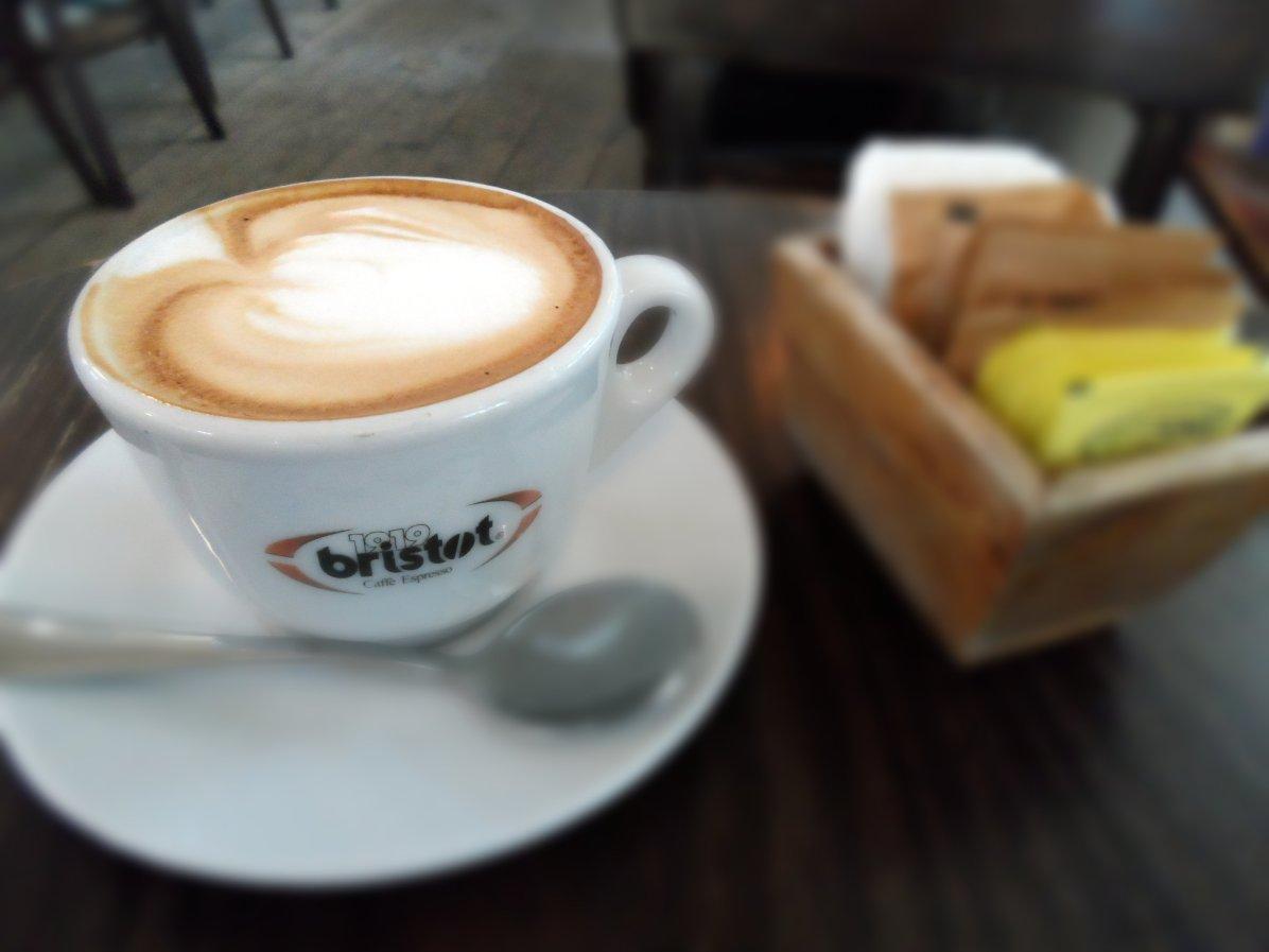 Cafe Noah: Cafe Latte