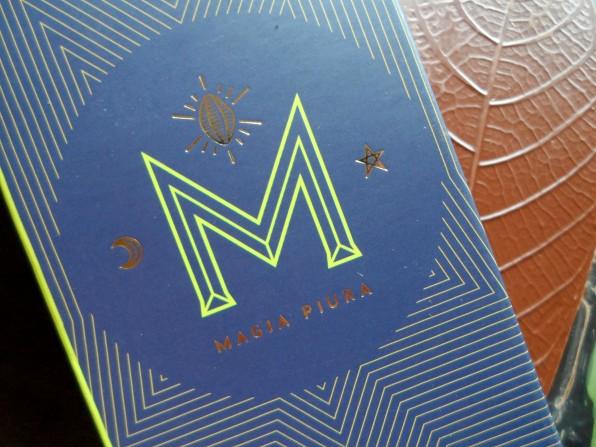 Magia Piura Chocolate al 72% con mango ciruelo